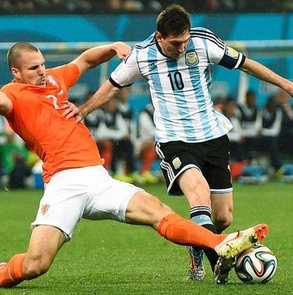 オランダ対アルゼンチンの死闘.jpg