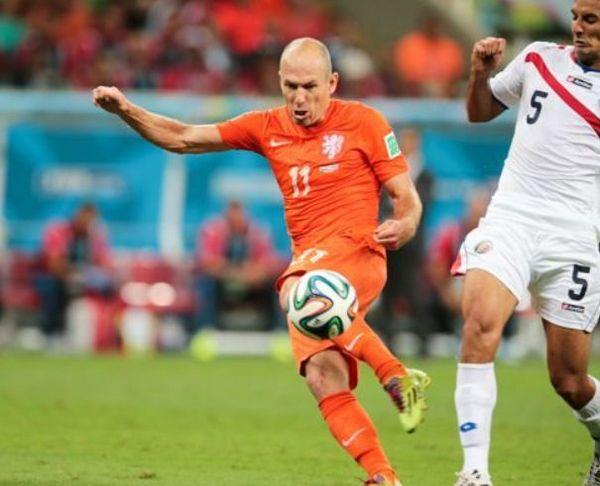 ワールドカップ2014オランダのロッベン.jpg