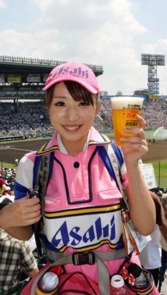 甲子園ビール売り子美人さん.jpg
