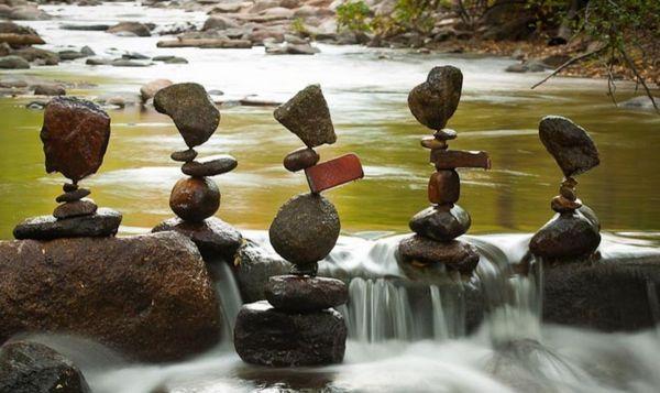 絶妙な石積み.jpg